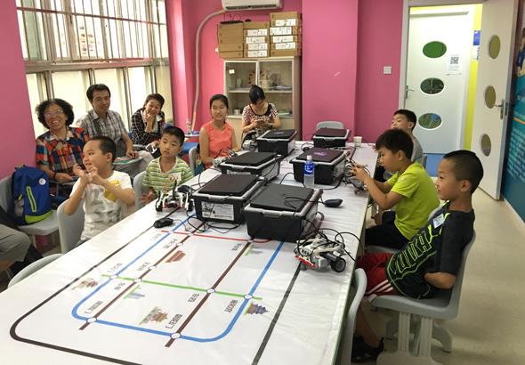 北京大钟寺校区:乐高机器人EV3体验课开班盛况