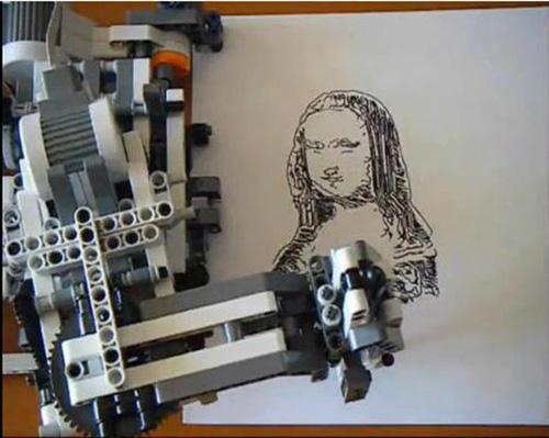酷!乐高机器人画蒙娜丽莎