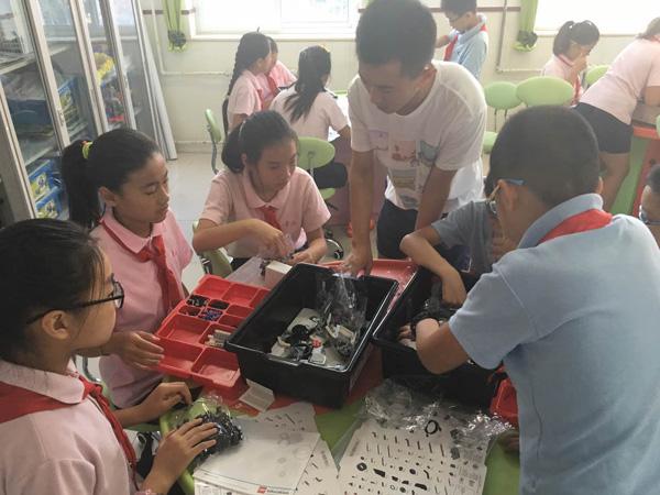 乐高机器人——让机器人陪伴中国儿童成长