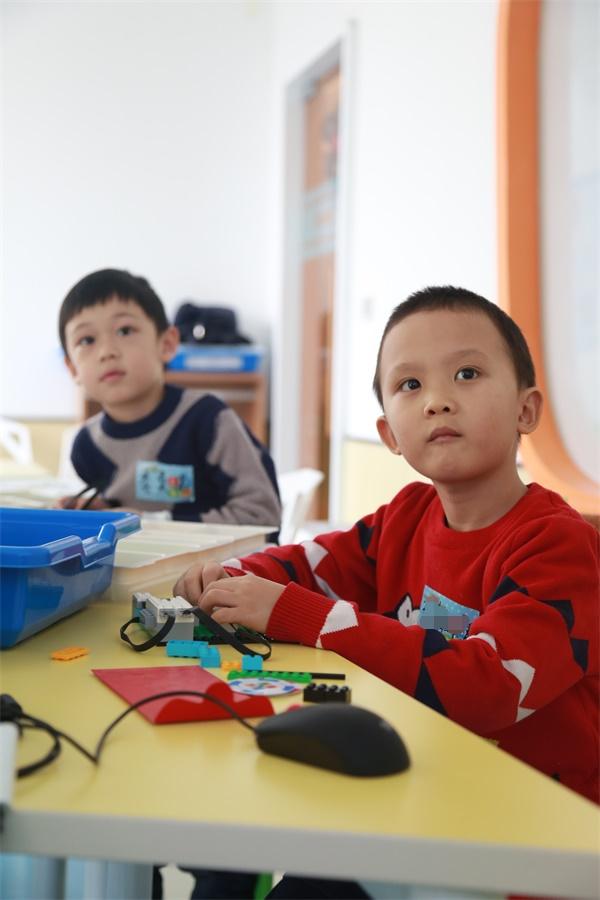北京回龙观校区:智能机器人18luck新利appwedo课程开班啦