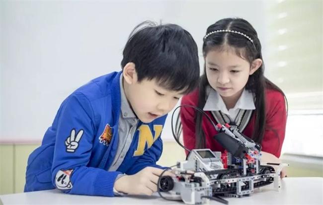 有学yabo亚博登录机器人的吗?机器人教育对孩子好吗?