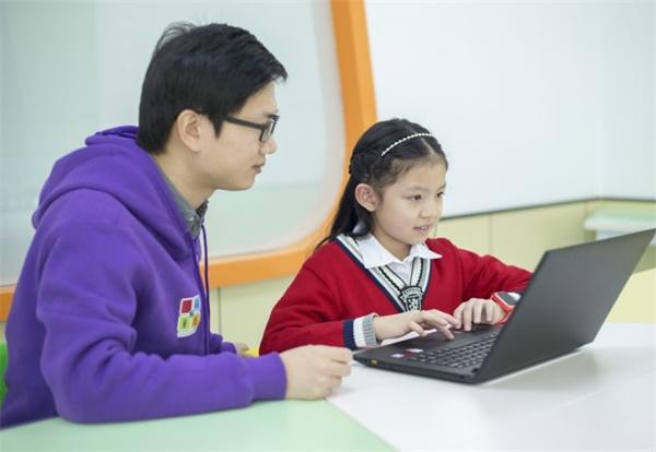 中国国际电视台(CGTN)专访童程童美,权威媒体持续报道少儿18luck新利app