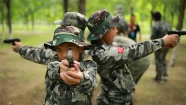 八一建军节,有一群小小特种兵将会秘密集结……